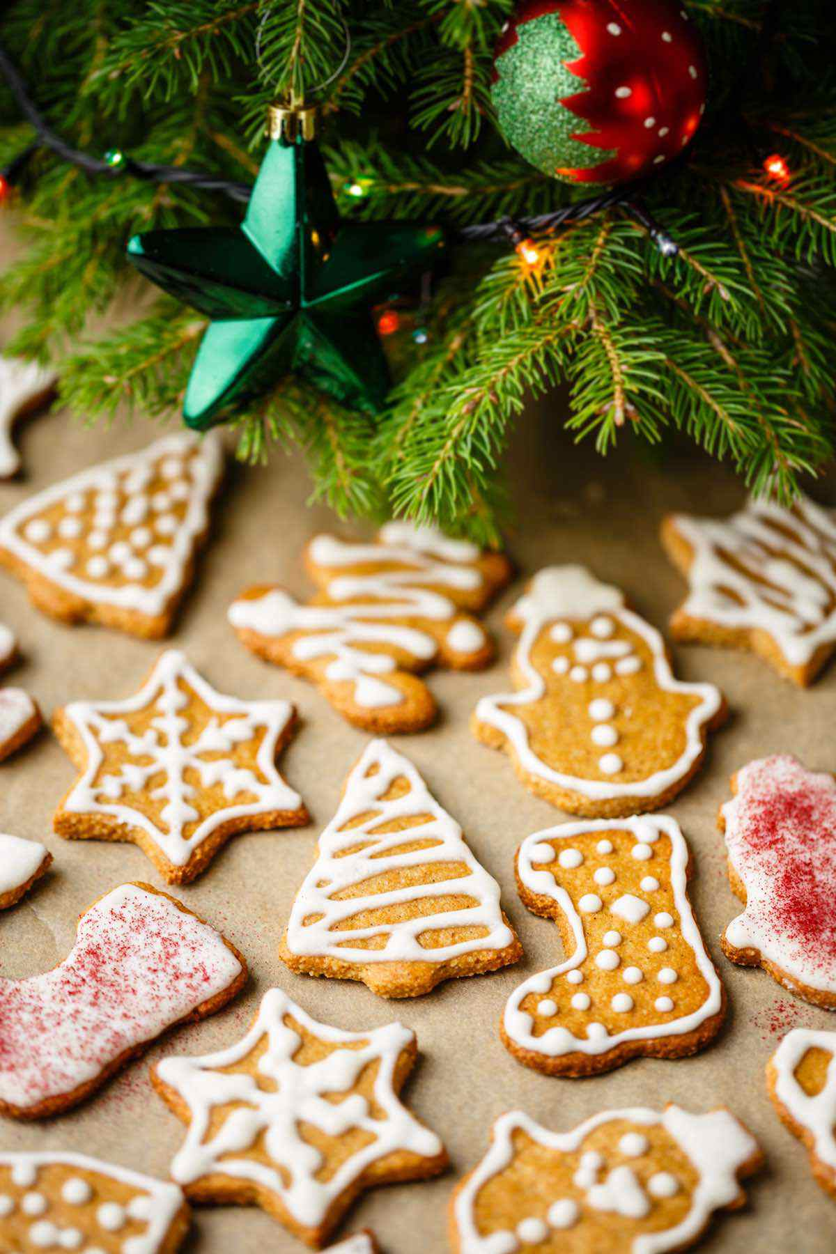 christmas paleo gingerbread cookies