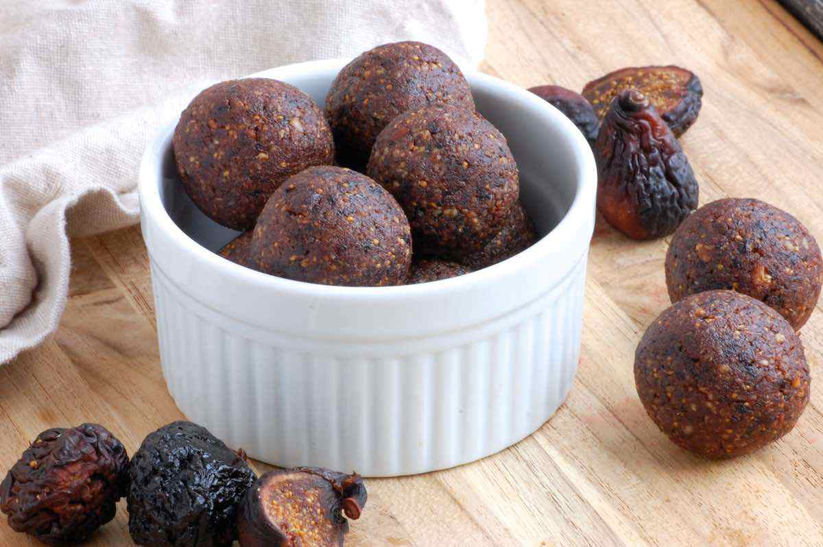 Chocolate Fig Bites