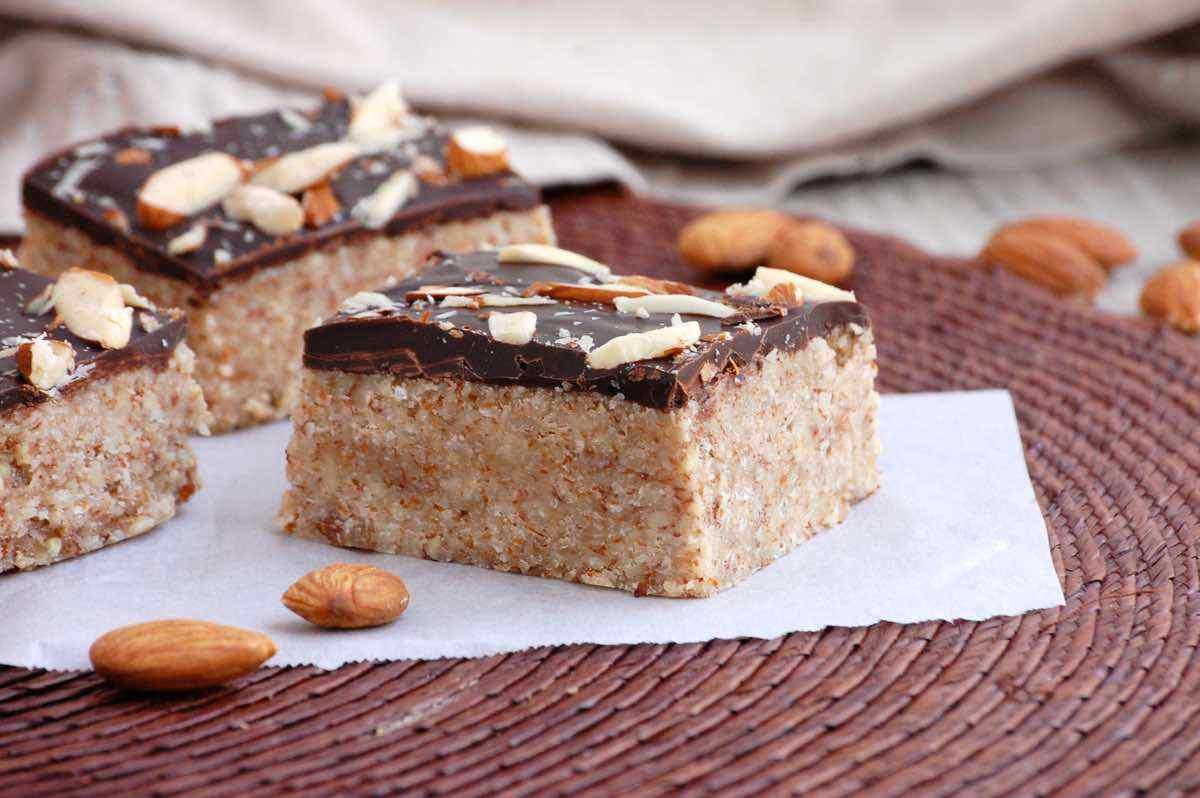 No Bake Chocolate Almond Bars