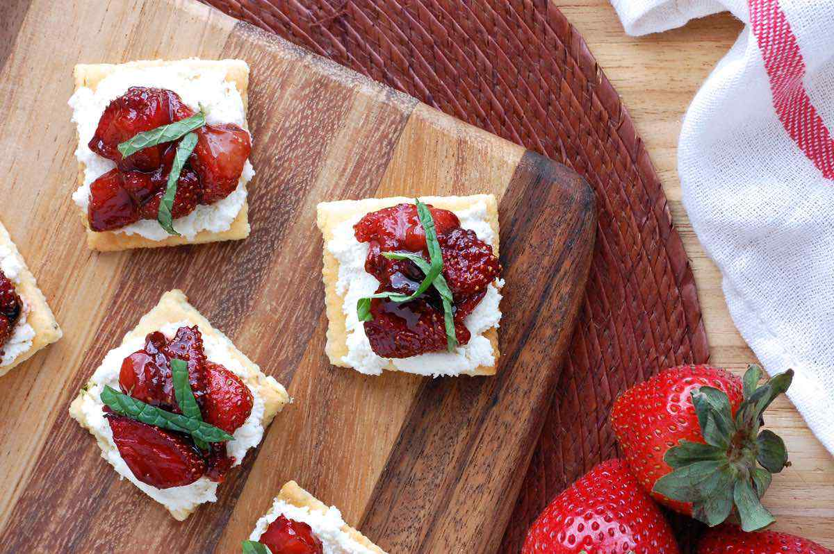 Balsamic Strawberry Bites