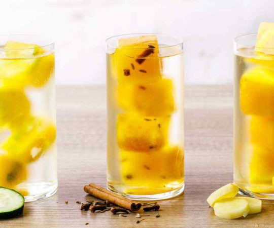 These turmeric tea ice cubes are the best!