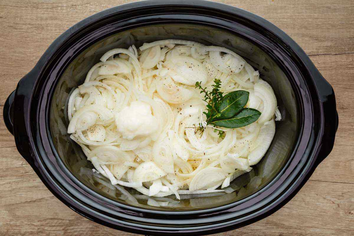 Crockpot Paleo French Onion Soup