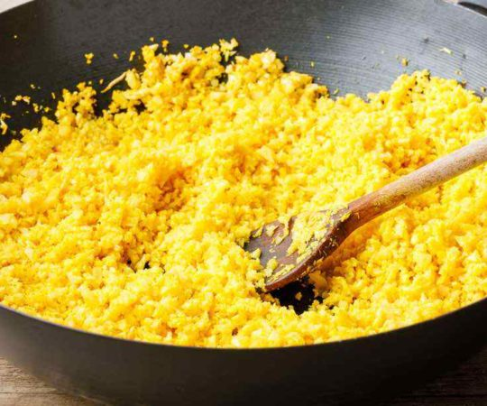 Low Carb Turmeric Cauliflower Rice