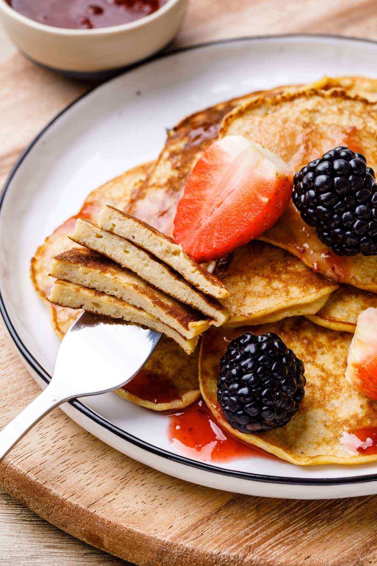 2-Ingredient Paleo Banana Egg Pancakes