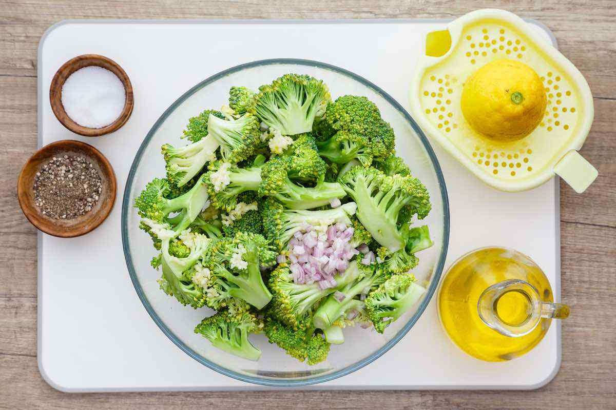 5-Ingredient Roasted Broccoli with Lemon