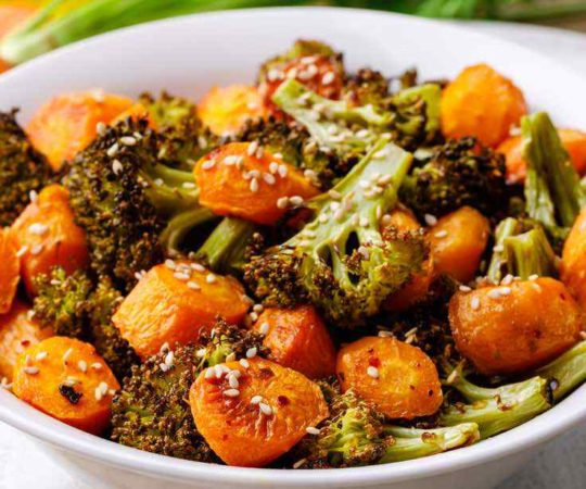 Garlic Roasted Broccoli and Carrots