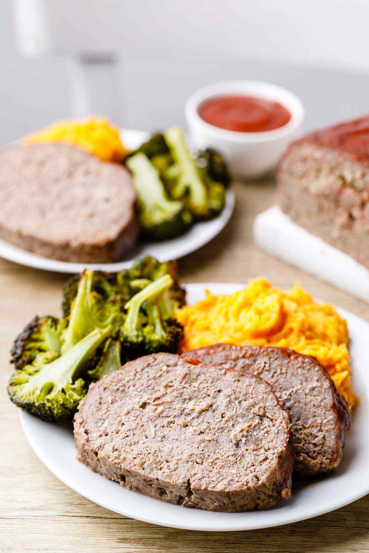 7-Ingredient Paleo Meatloaf with Bacon