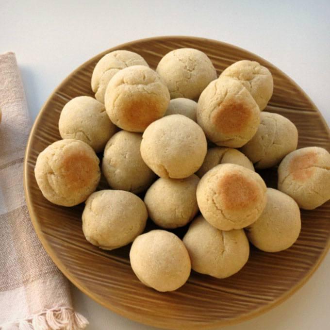 Home.fit Cassava-Coconut-Paleo-Bread-Balls 61 Easy Paleo Bread Recipes