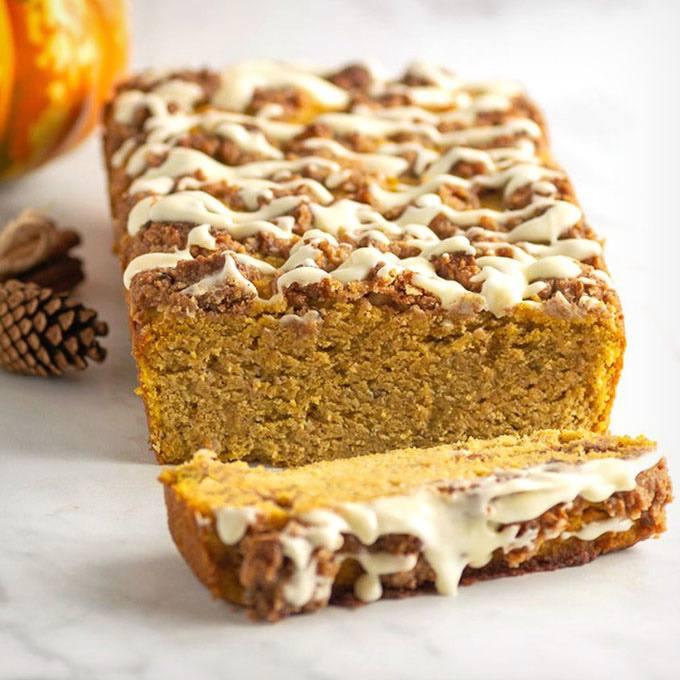Home.fit Keto-Pumpkin-Streusel-Bread 61 Easy Paleo Bread Recipes