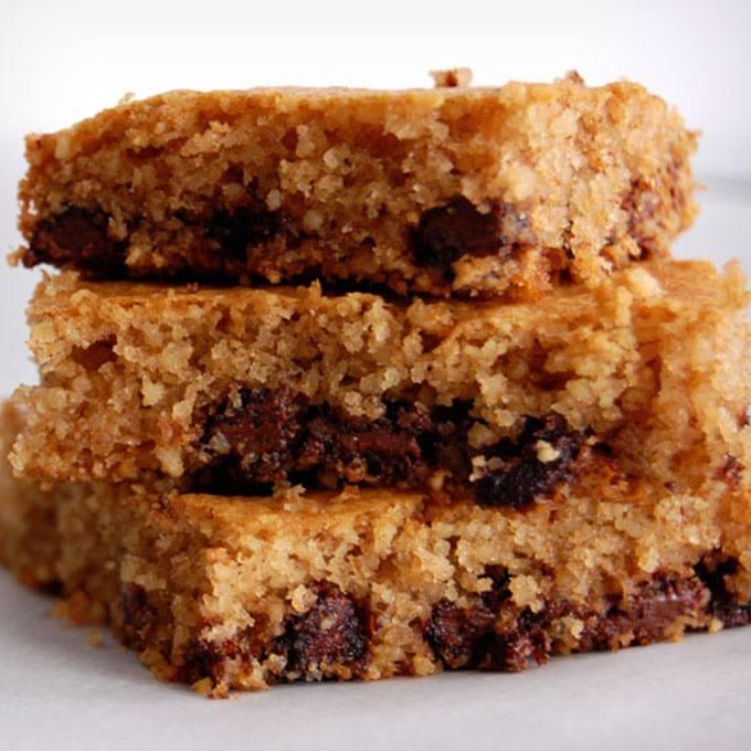 Chocolate Chip Paleo Cookie Bars