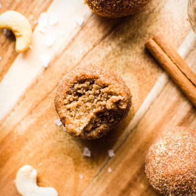 No-Bake Cinnamon Roll Energy Bites