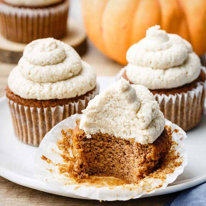 Pumpkin Paleo Cupcakes with Maple Syrup Frosting