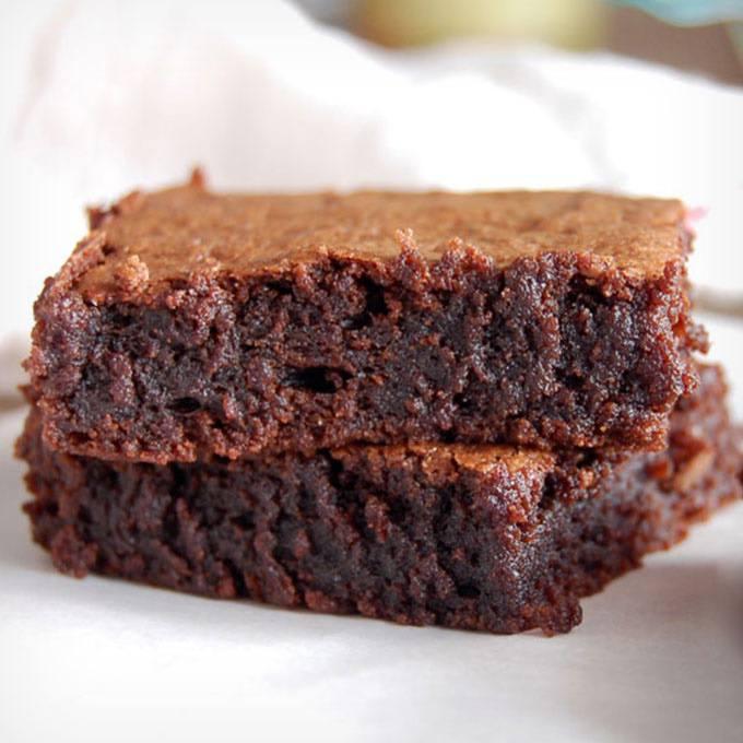 The Best 7-Ingredient Fudgy Paleo Brownies