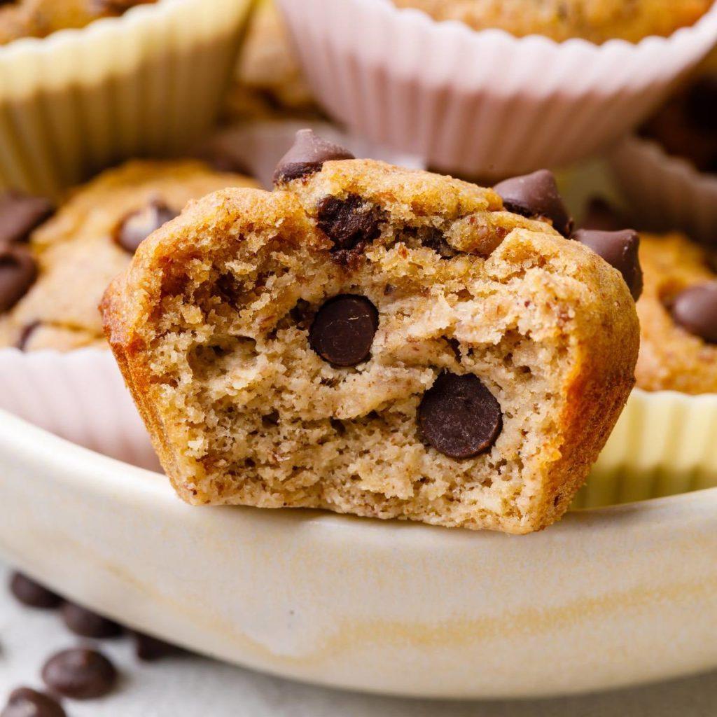 mini chocolate chip banana muffin bites
