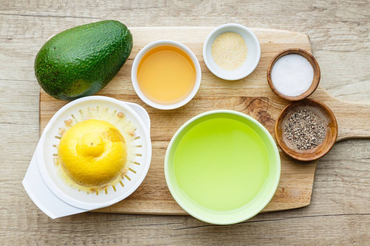Home.fit avocado-vinaigrette-1 Easy 4-Ingredient Avocado Vinaigrette - Paleo Grubs