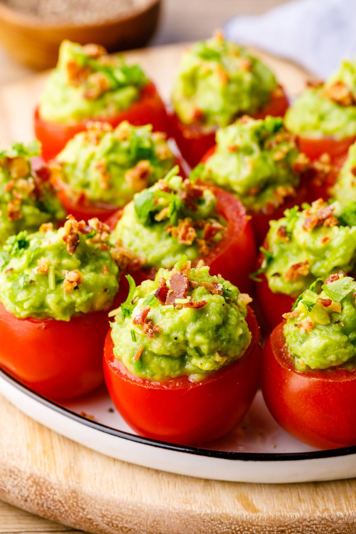 Home.fit blt-tomato-bites-4 Low Carb Guacamole Stuffed BLT Tomato Bites