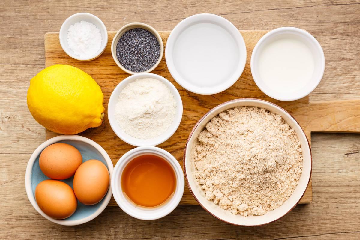 Home.fit lemon-poppy-seed-paleo-bread-1 Lemon Poppy Seed Bread (Low Carb)