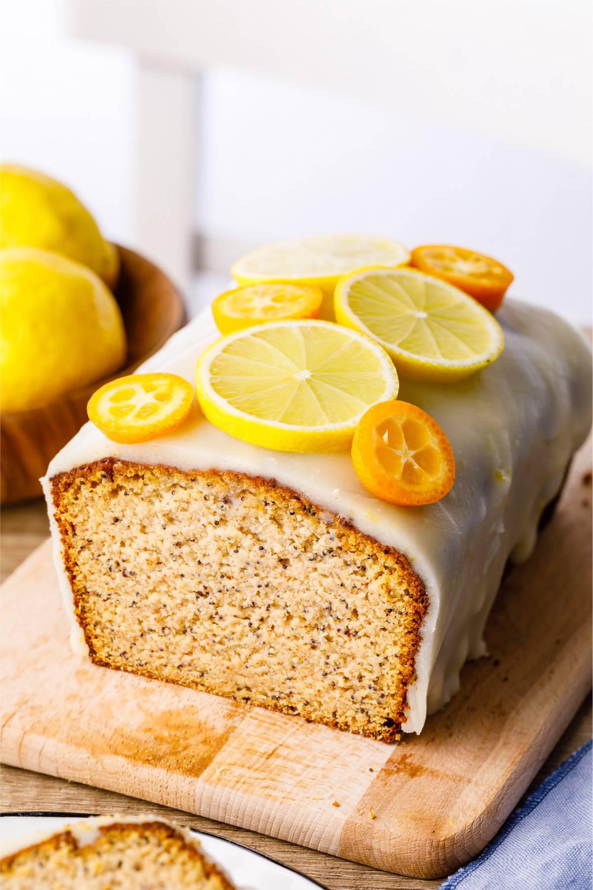 Home.fit lemon-poppy-seed-paleo-bread-5 Lemon Poppy Seed Bread (Low Carb)