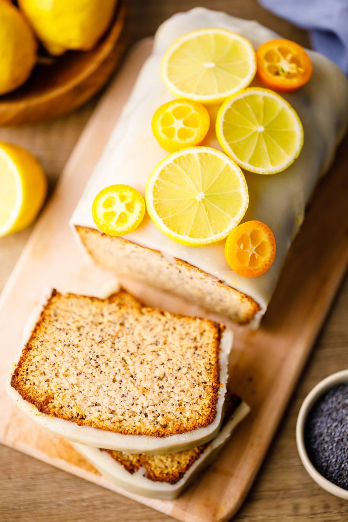 Home.fit lemon-poppy-seed-paleo-bread-6 Lemon Poppy Seed Bread (Low Carb)