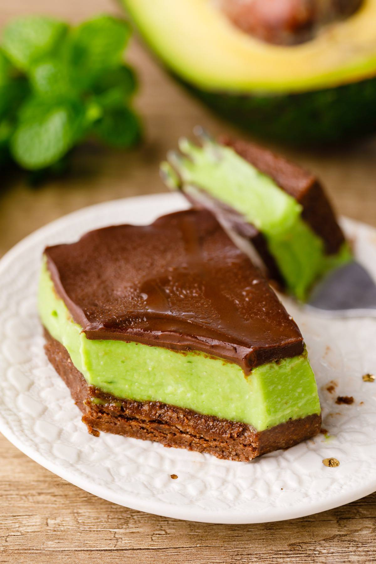Home.fit mint-chocolate-chip-bars-8 No-Bake Mint Chocolate Chip Bars