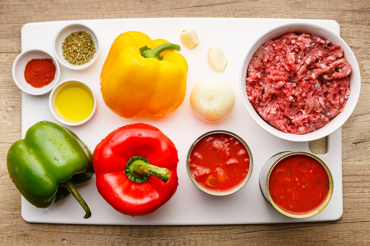 Home.fit slow-cooker-stuffed-pepper-soup-1 Comforting Slow Cooker Stuffed Pepper Soup